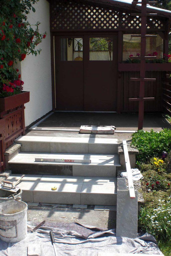 terrasse mit 3 stufen kachelofen stangelmayer. Black Bedroom Furniture Sets. Home Design Ideas